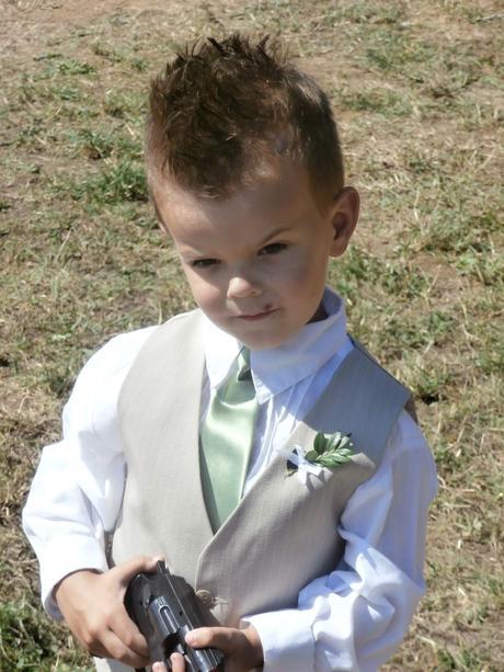 Chlapecký oblek béžový, 104