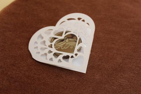 Papírová srdíčka na čokoládky,