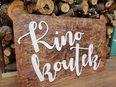 Dřevěná cedule- KINO KOUTEK,