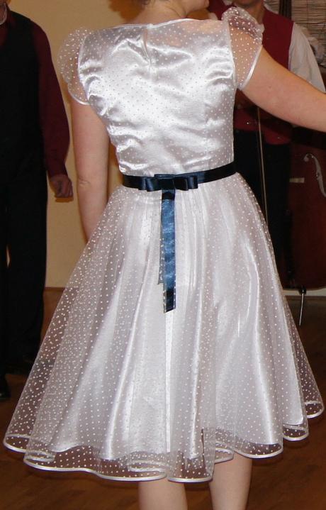 """Svatební šaty """"retro"""" s puntíkem, 40"""