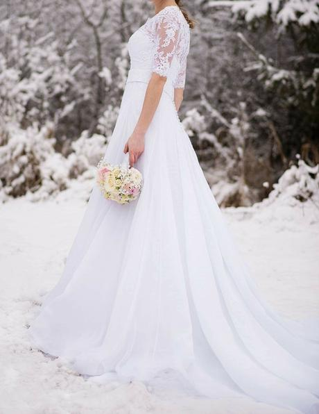Španielske svadobné šaty s vlečkou, 38