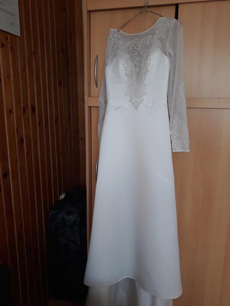 Svadobné šaty s vlečkou, 36