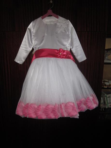 Slávnostne šaty pre družičku , 134