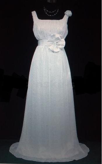 Bílé antické svatební šaty, 50