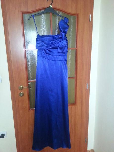 Spoločenské šaty, 38