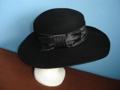 Elegantný klobúk-zn.Tonak-mala som 5x, 38
