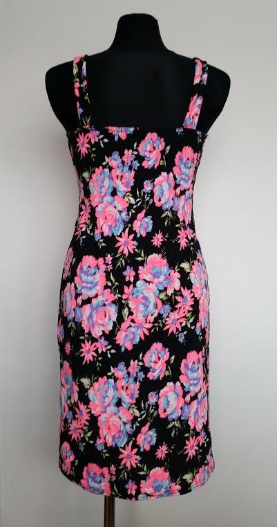Veľmi pekné značkové šaty-Quiz, veľ.M/L, 38