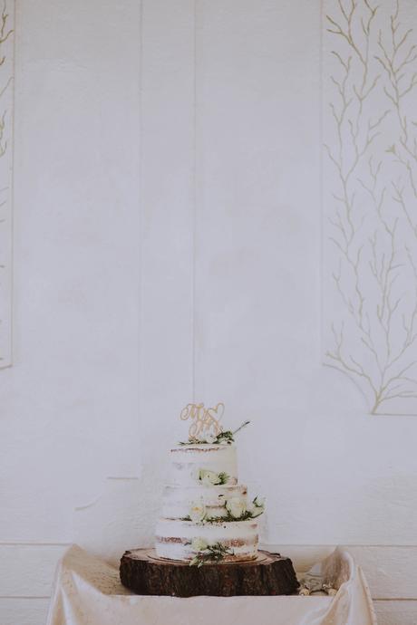 Drevený podnos pod tortu,