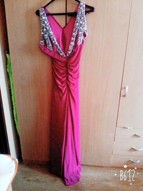 Nadherne spoločenske šaty s vleckou, 40