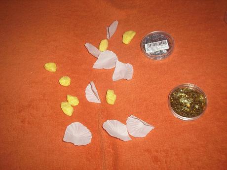 konfety strieborne,