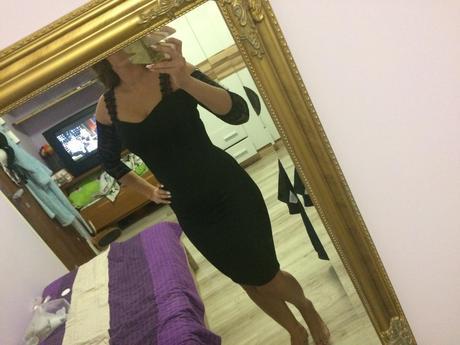 Čierne čipkované šaty , 38