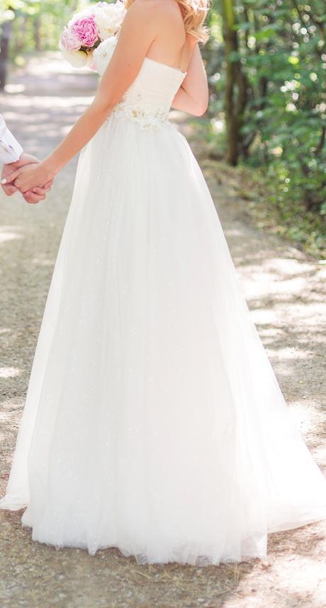 Svadobné alebo spoločenské šaty, 34