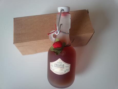 Francouzský jahodový likér Fraise De Plougastel,