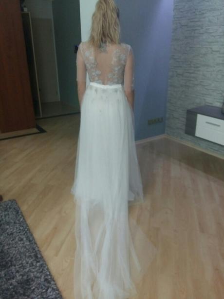 Originální krajkové šaty od Petry Brzkové, 38