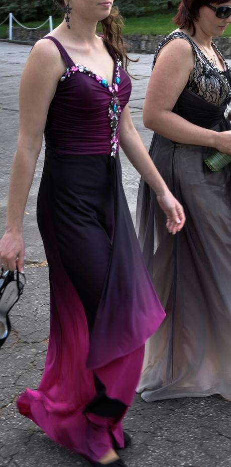 Spoločenské šaty fialové, 34