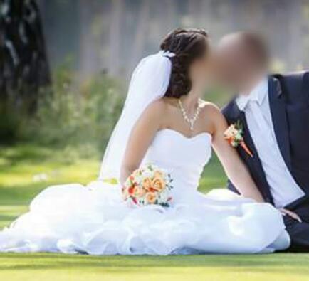 svadobné šaty 34-36,60 EUR, 34