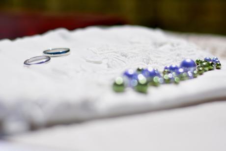 svatební šaty, ručně malované s korálky a krajkou, 44