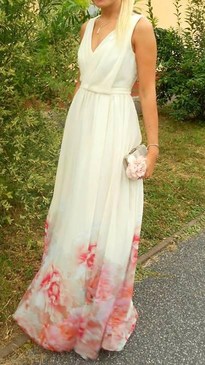Dlhé spoločenské šaty zdobené kvetmi 5a097085ddc
