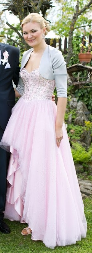 Spoločenské šaty značky sherri hill 7410c22b167