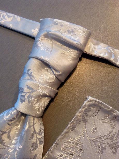 Francúzska kravata s vreckovkou - cena s poštovným,