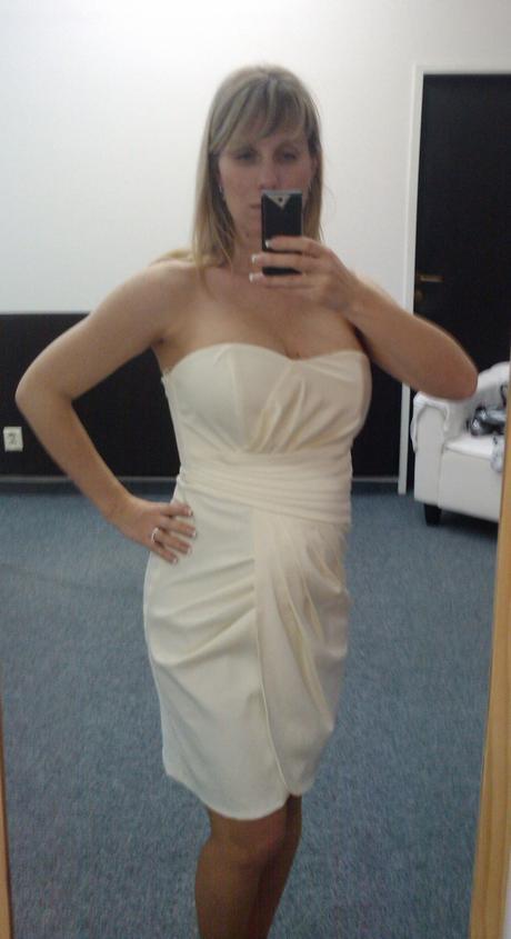 Svatební či popůlnoční saténové šaty vel.38-40, 40