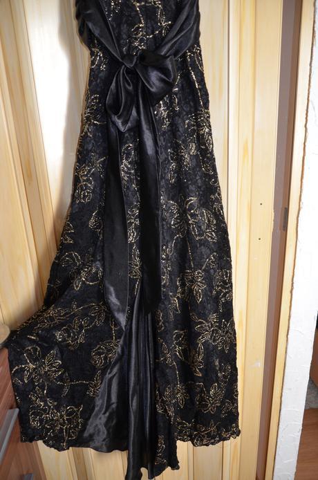 šaty40, 42