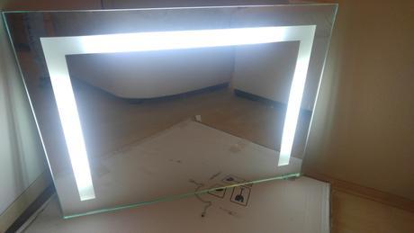 zrkadlo s podsvietením ,