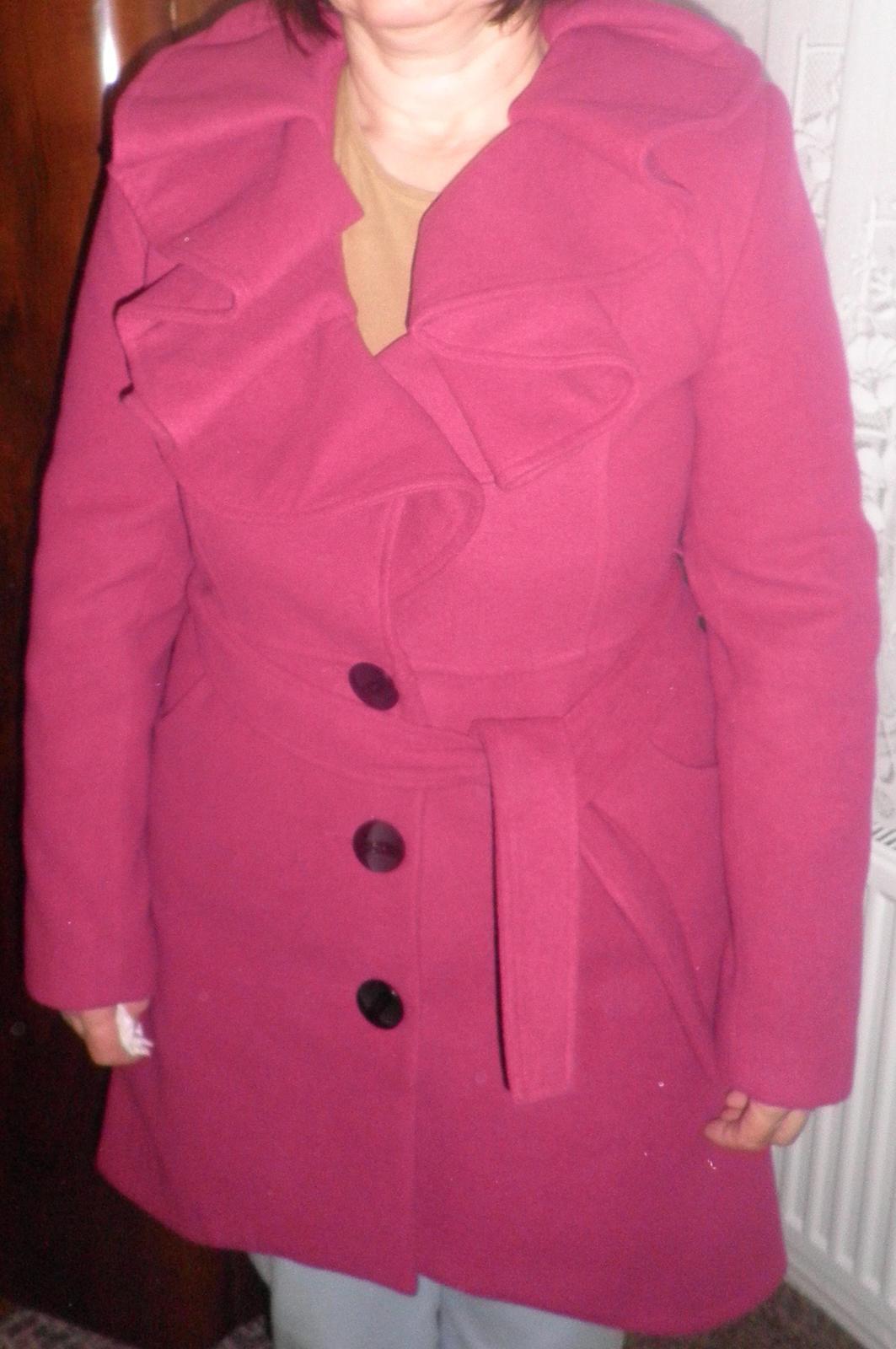 Dámsky kabát s opaskom 79af77edcf0