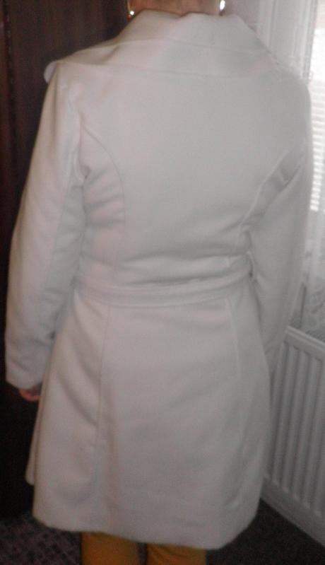Biely kabát , 40
