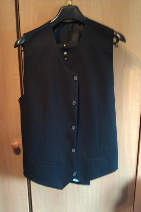 Čierny oblek, 182