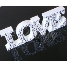 "Dekorácia ""LOVE"" s kamienkami,"