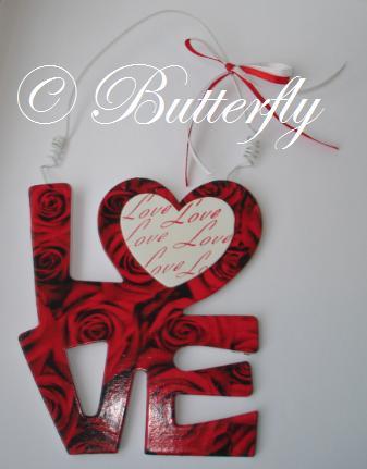 Závesná dekorácia LOVE  ,