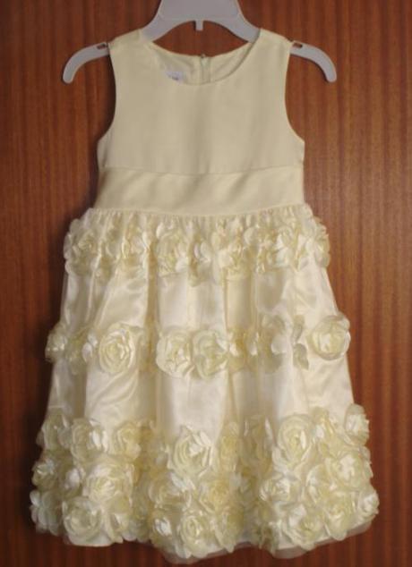 Žlté kvetované šaty, 110