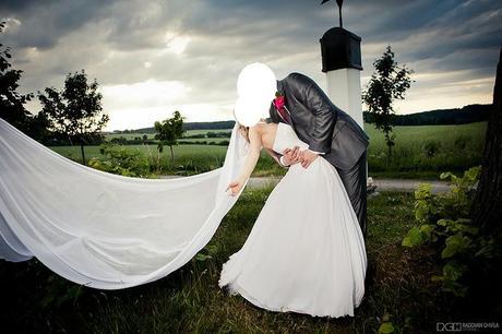 Luxusní svatební šaty od návrháře, šité na míru, 36