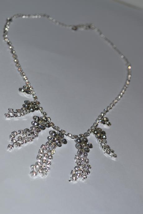 štrasové naušnice  a náhrdelník - sada nepoužitá,