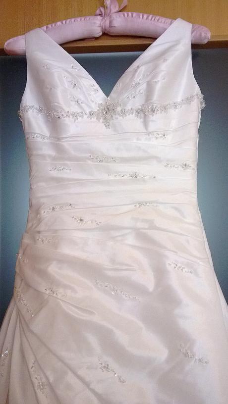 Svadobné šaty ivory značky Christina Sposa, závoj, 38