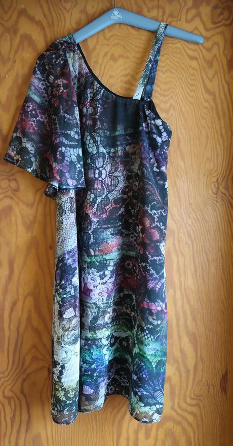 Oboustranné šaty , M