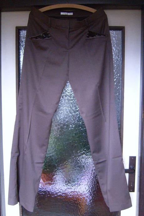 Společenské hnědé kalhoty, 40