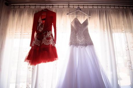 Popolnočné šaty pre nevesty,