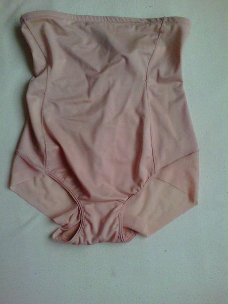Stahovací kalhotky, 42