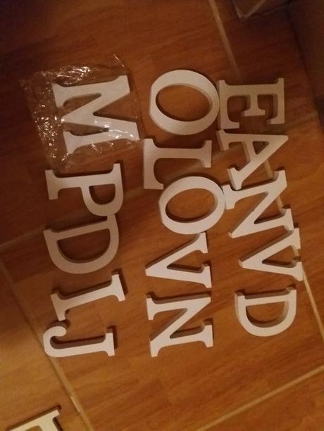 Dřevěná písmena love, jména, příjmení, atd.,