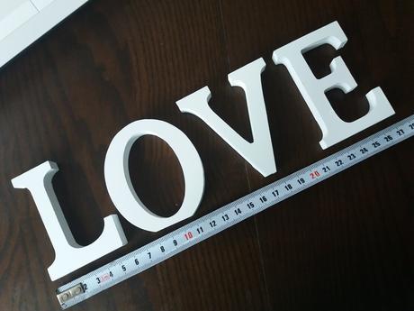 Dřevěná písmena love nebo mealndov,