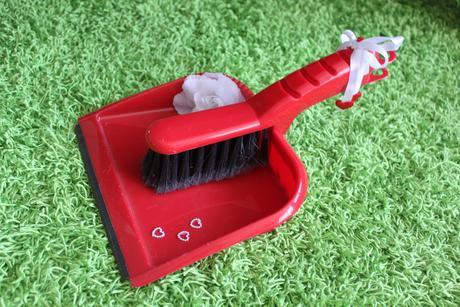 Lopatka a smetáček DIY červená,