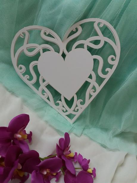 Papírová dekorace-vyřezávané srdce-4ks,