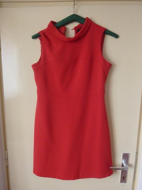 Pouzdrové šaty, 42