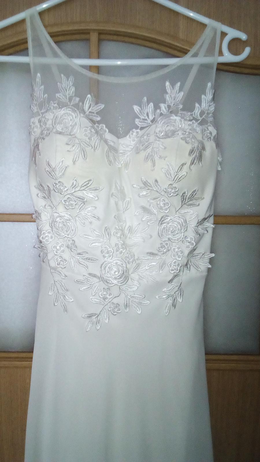 f1948aa1b9c2 Dlhé biele spoločenské šaty