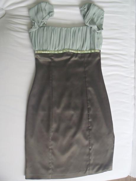Kokteilové šaty, 38