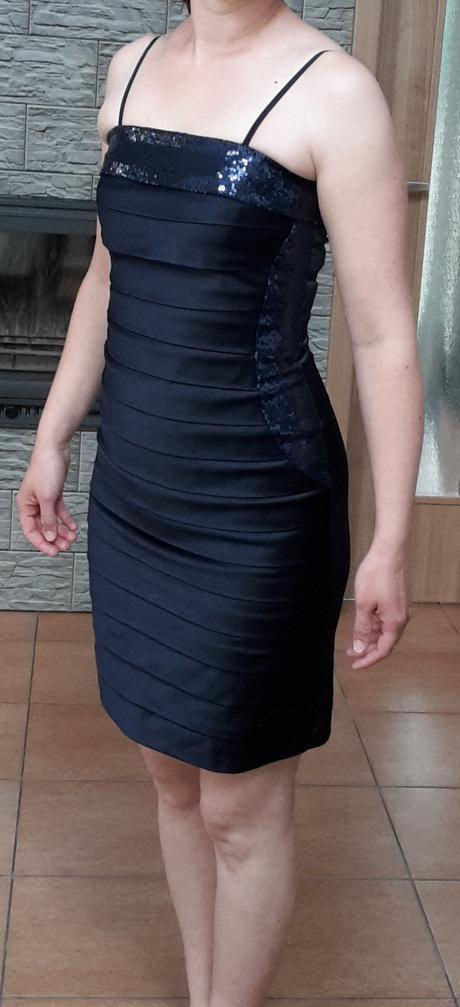 Krátke šaty, 38