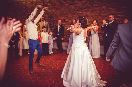 Svatební šaty s kapsami, 42