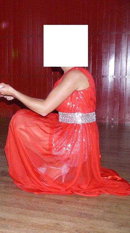 Spoločenske červene šaty, 40